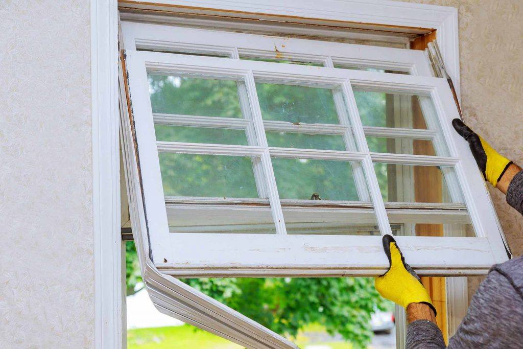 What Are the Benefits of Choosing Vinyl Windows for Home Window Replacement?